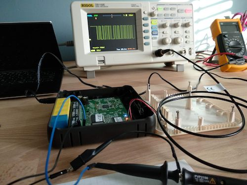 Inspecting the serial connection using a oscilloscope